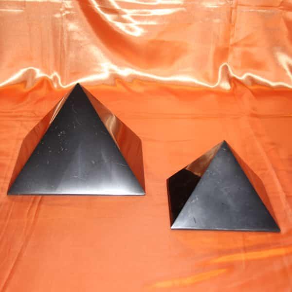 Grandes pyramides de shungite | Arkanova