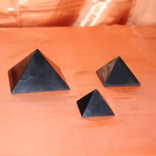 Pyramides de shungite | Arkanova